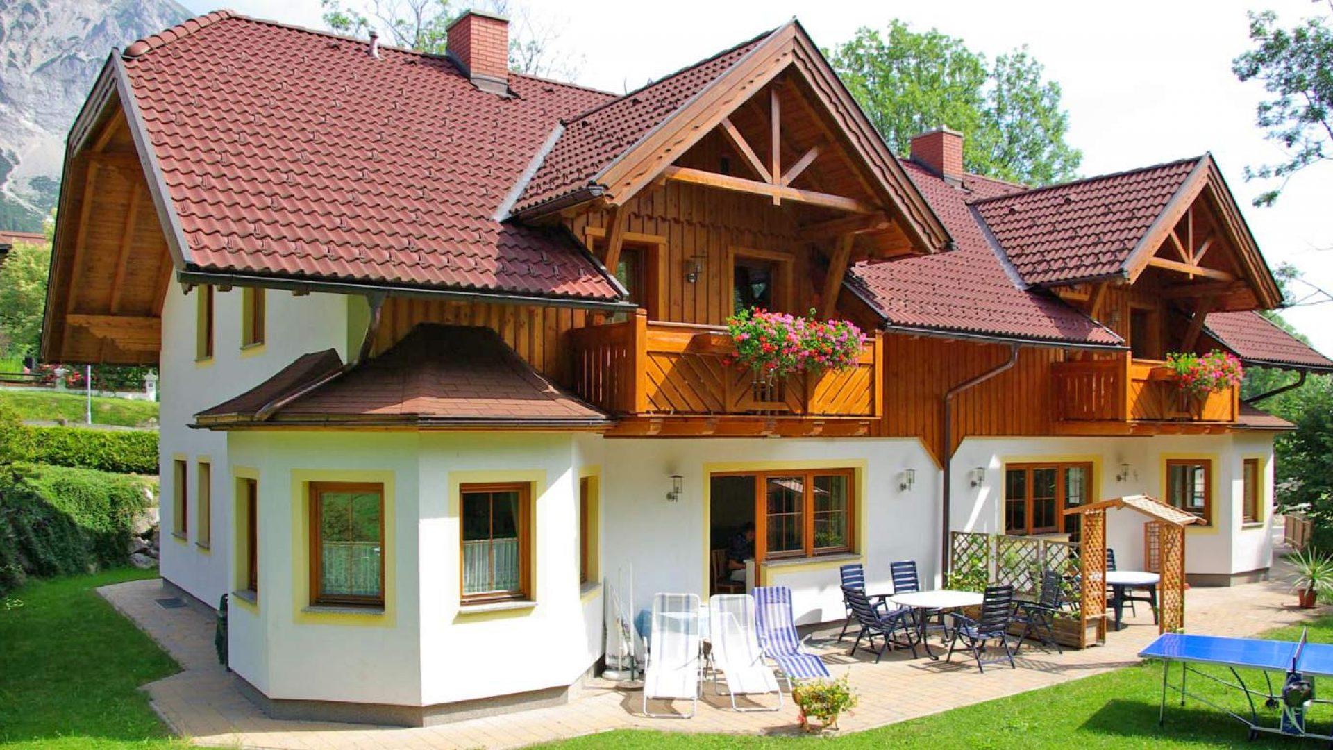 Das Ferienhaus Reinbacher mit seinem schönen Garten
